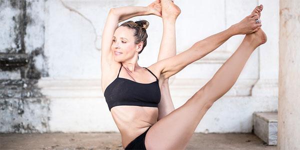 Italien, Sicilien   Vinyasaflow & Ashtangayoga med Naomi Grosin från InBalance Yoga Stockholm